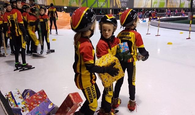 Spelletjes tijdens de schaatsles