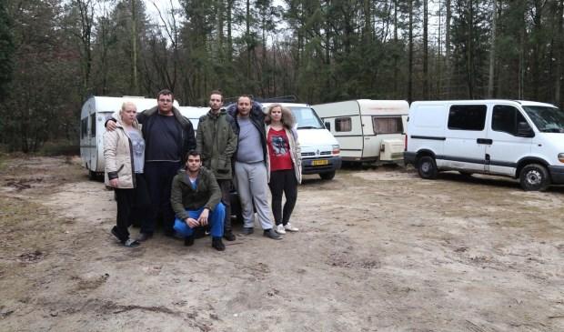De familie Soering vertrekt donderdagmiddag van het terrein in Mill. (foto: Marco van den Broek)
