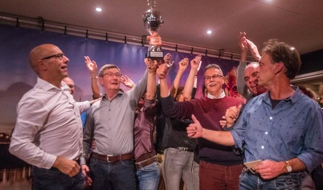 Team The Butsers won zaterdagavond de tweede Kuukse Kwis. (foto: Arjan Broekmans)