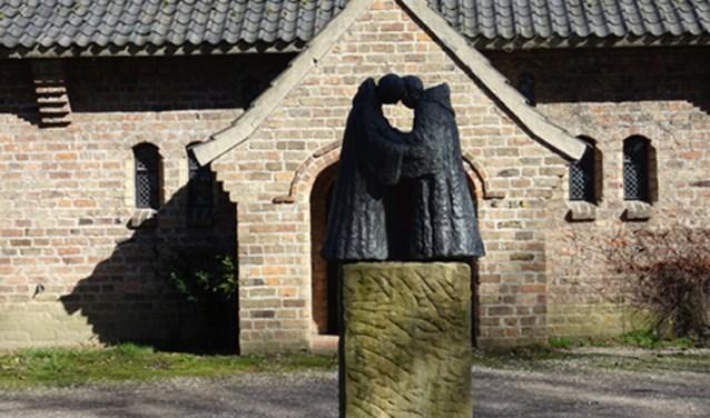 beeldengroep voor de abdij