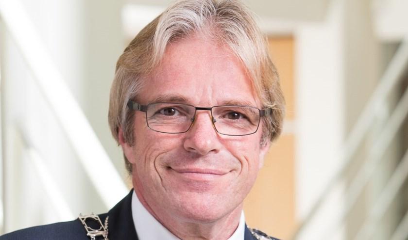 Burgemeester Marc Witteman is op 57-jarige leeftijd overleden. Foto: gemeente Stichtse Vecht/Norbert Waalboer Fotografie