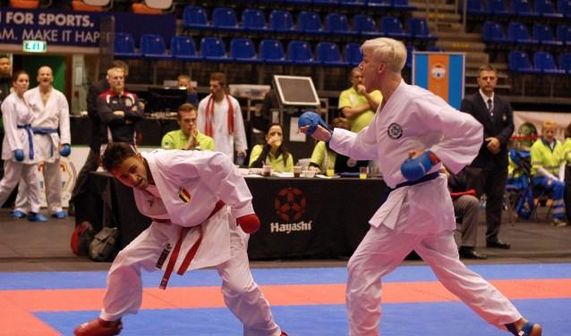 Bryan Lusse van Unity99 (rechts) in actie tegen een Belgische international tijdens Battle of the Teams. (Foto: Claudia Hoozemans)