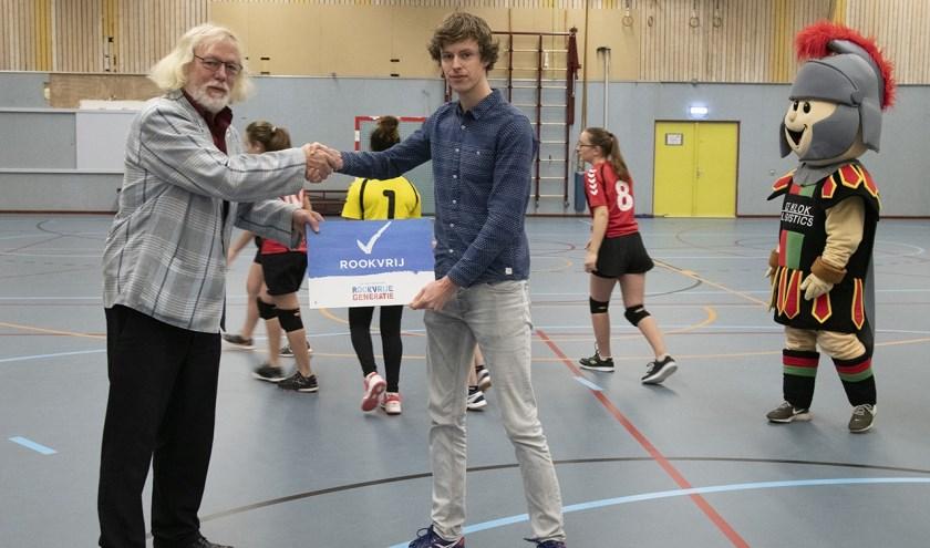 Wethouder sport Bert Velthuis en voorzitter HV Havana.
