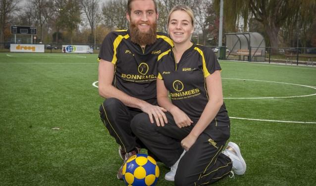 Ditte Bouwman en Ruben Vermeer; korfbalstel bij KOAG. (Foto: Wijntjesfotografie.nl)