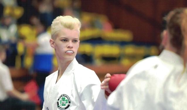 Melissa werd onlangs voor de vijfde keer Nederlands kampioen, ditmaal in de categorie tot 18 jaar, tot 59 kilo. Bij de senioren komt ze vanaf april uit in de klasse tot 61 kilo. (Foto: J. van Oudenaarden)