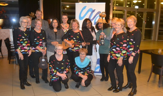 De twee genomineerde groepen. (Foto: Stichting Sliedrecht en Cultuur)