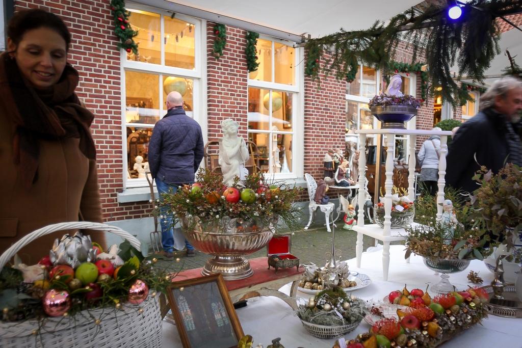 Hengelo S Weekblad Sfeervolle Kerstmarkt Met Zang Blazers En Ezeltjes