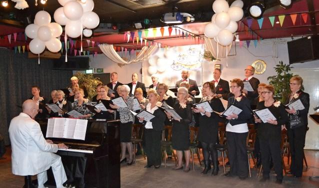 Naast de bewoners van de Bloemschevaert is iedereen welkom op dit concert. Locatie: Centrum voor Wonen & Zorg De Bloemschevaert - Groenhuysen, Covellijndijk 116 te Roosendaal.