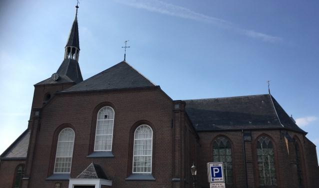 De Nederlands Hervormde Dorpskerk in Oldebroek.