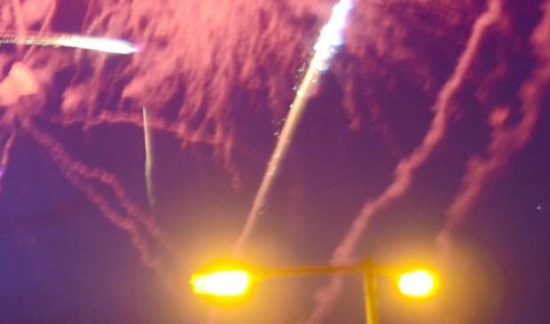 Huisdieren kunnen schrikken van de harde knallen van vuurwerk.