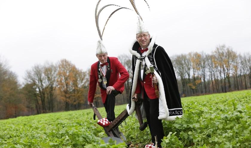 Prins Peter d'n Urste en zijn adjudant Will gaan ervoor. Foto: Jurgen van Hoof