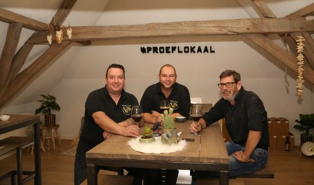 Bierbrouwen met de mannen van hobbybrouwerij De blauwe knoop. (foto Marco van den Broek)