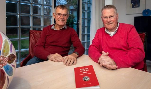 Kees Verschure en Peer Elshout destilleerden uit vijftig gesprekken het DNA van Waalwijk, opgetekend in Waalwijk zoals het gaat. Foto: Yuri Floris