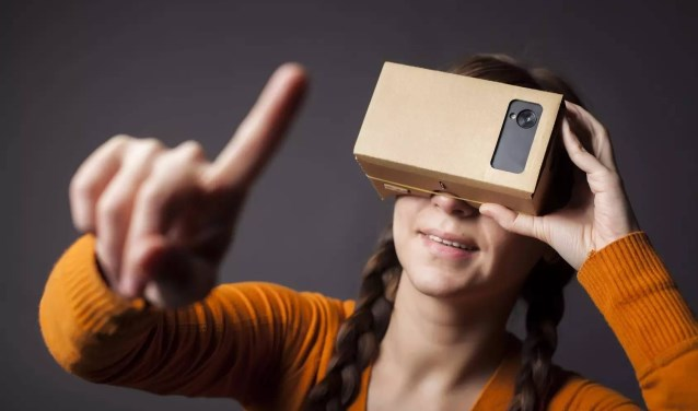 Een eigen eigen virtual reality-bril leren maken kan in de bibliotheek Helmond.