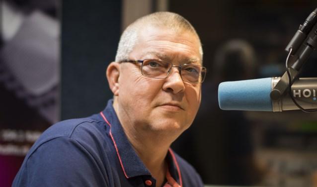 Jaap Calkhoven is de nieuwe directeur van de lokale omroep, maar zal de microfoon niet helemaal gedag zeggen.