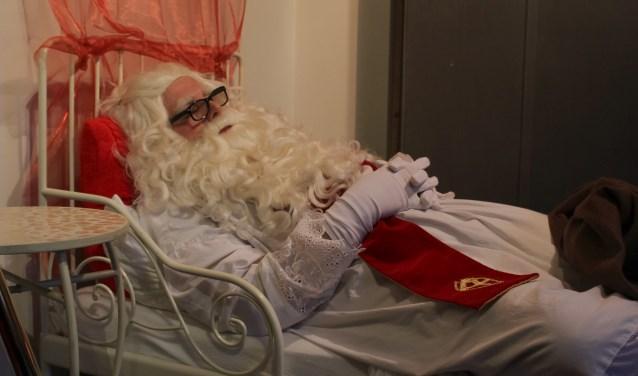 Zo slaapt Sinterklaas in zijn goedheilige slaapkamer. Foto's: Jet Schurink