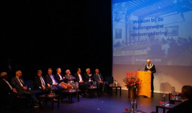 De laatste buitengewone raadsvergadering in de Blauwe Zaal van Sport en Cultuurcentrum Helsdingen. Foto: Jacques Stam