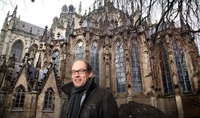 Ronald Glaudemans voor de Sint-Jan. Niet alleen één van de grootste kerken van Nederland, maar ook één van de rijkst gedecoreerde!