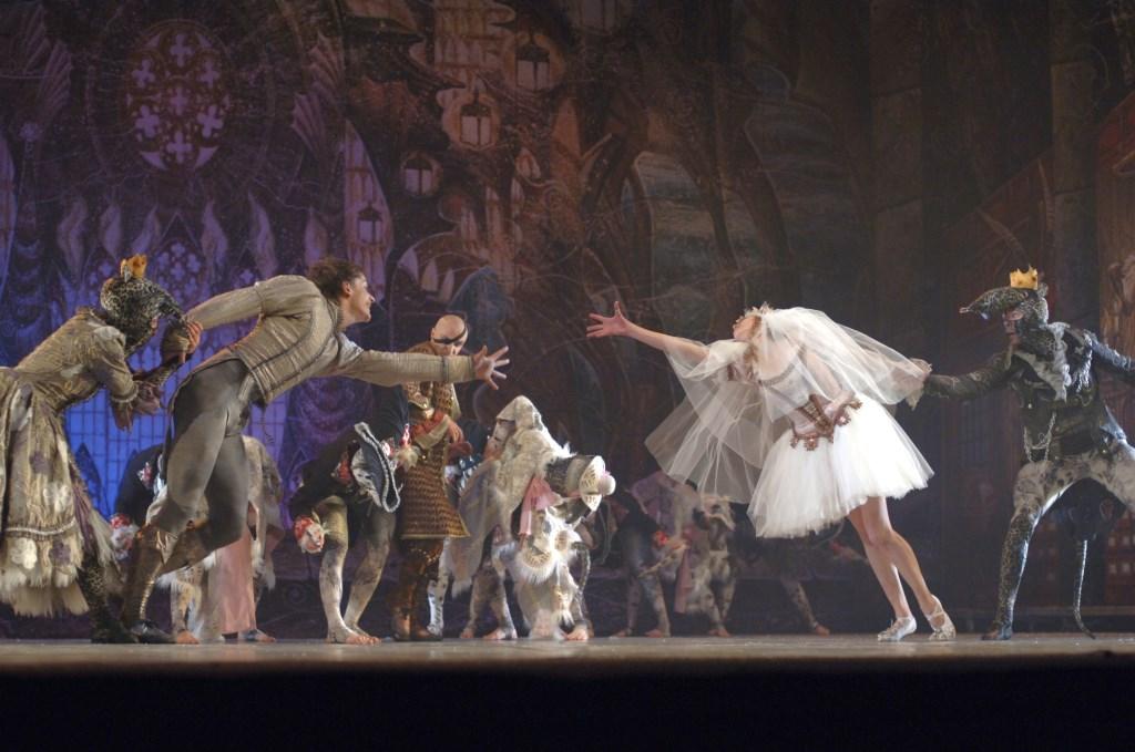 Het klassieke sprookjesballet de Notenkraker wordt vrijdag uitgevoerd door het Kiev Ballet in de Kappen.   © Persgroep
