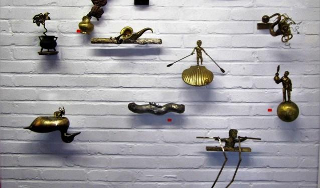 Onderdeel van KunstKerst is de wand van Sjef Henderickx. Hij heeft al veel van deze kunstwerken kunnen verkopen.