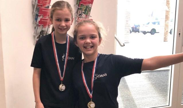Fenne en Noa werden 1e en 2e in Categorie 1 bij de districtswedstrijd.