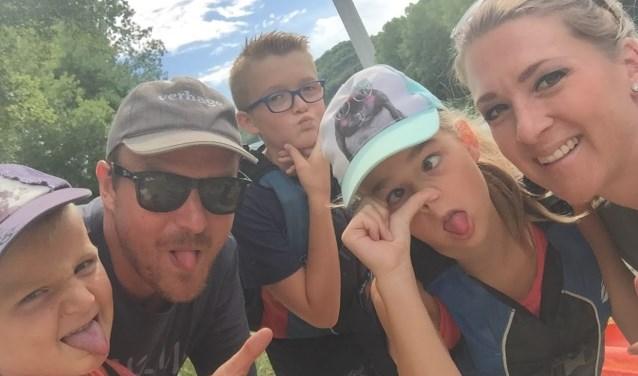 Begin 2018 verhuisden Richard en Marriëlle uit Zwijndrecht met hun kinderen naar Frankrijk. (Foto: Privé)