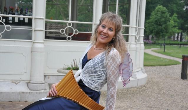 Noortje van Middelkoop is regelmatig op tv te bewonderen en geeft concerten in binnen- en buitenland.