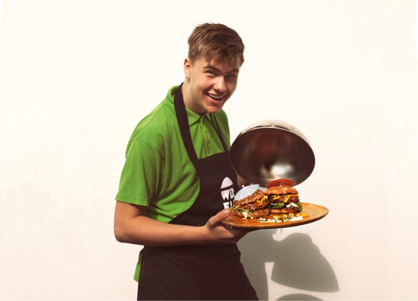 Stijn, de geestelijk vader van de Sunny Barbecue; een vegetarische notenburger.