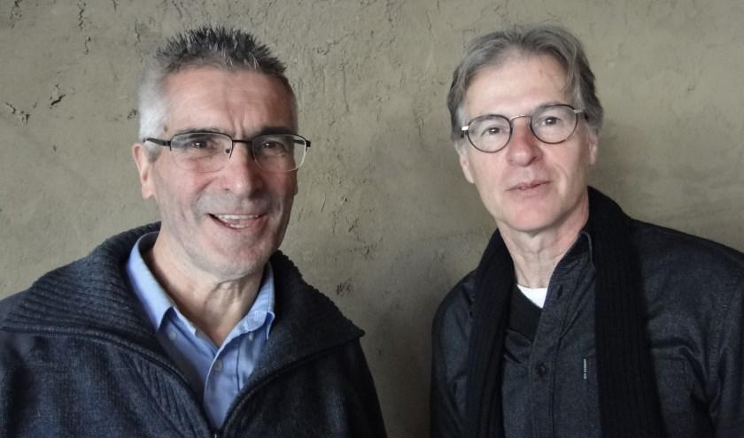 Crispijn Oomes (links) en Michel de Bakker brengen de wereldmuziek naar Zutphen.