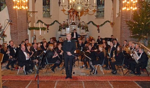 De Sint Plechelmus Harmonie houdt weer een kerstconcert in de Plechelmuskerk.