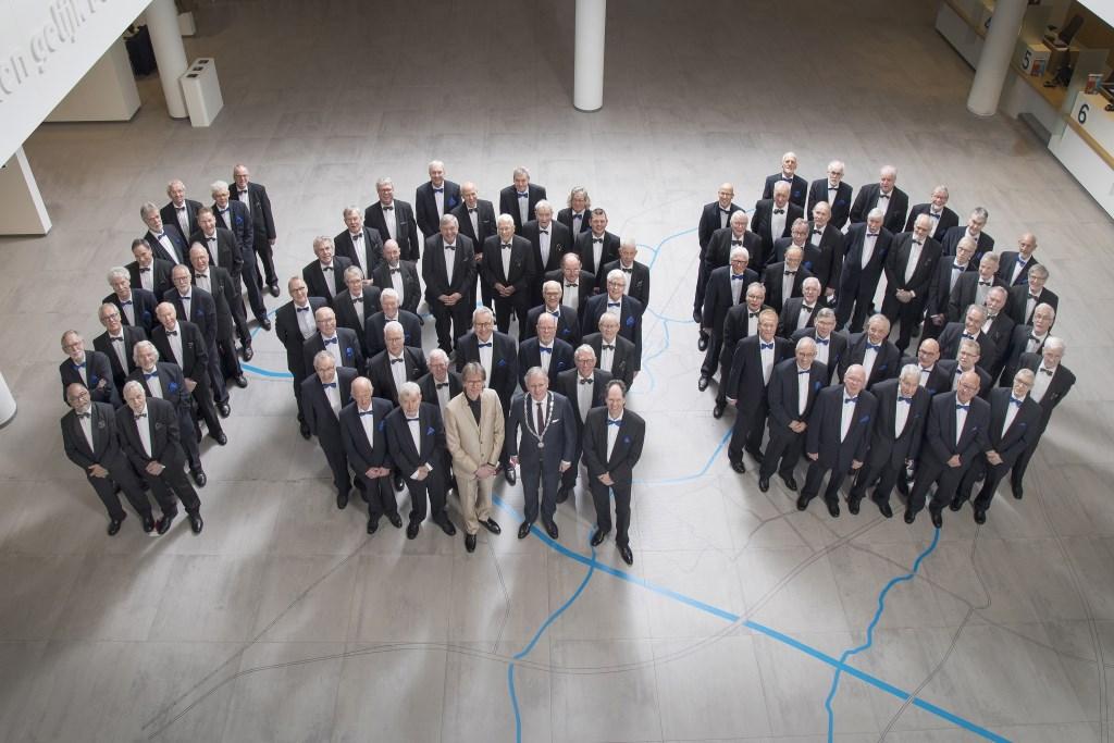 Het Almelo's Mannenkoor en Almelo's Christelijk Mannenkoor sluiten zondag samen het jaar af waarin ze het 100-jarig jubileum vieren.   © Persgroep