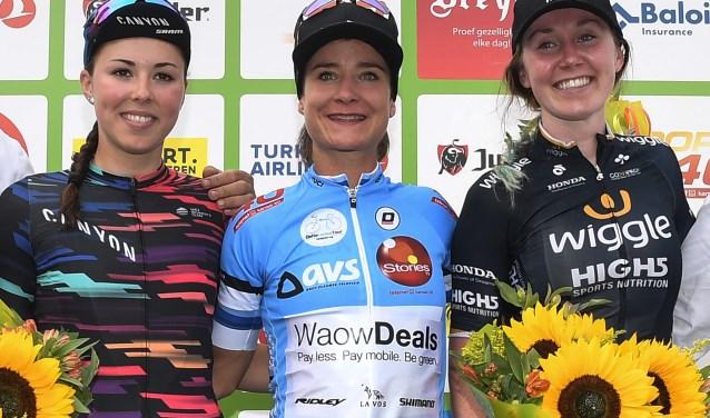 De BeNe Ladies Tour start in 2019 in Utrecht. Vorig jaar was het podium van links naar rechts: Lisa Klein (Duitsland), eindlaureate Marianne Vos (Nederland) en Katie Archibald (Groot-Brittanië). Foto: sportfoto.be