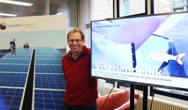 Projectleider Tonnie Tekelenburg omarmt o.a. zonnepanelen als de visvriendelijke  wokkel. (Foto: Arjen Dieperink)