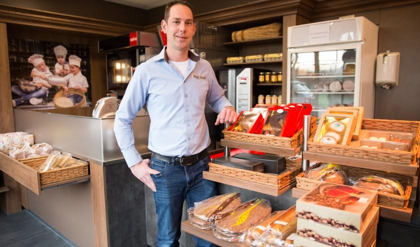 Eigenaar Corné ten Veen in zijn bakkerijwinkel aan de Dijkgraaf 24 in Bennekom (Foto: Jacqueline Imminkhuizen)