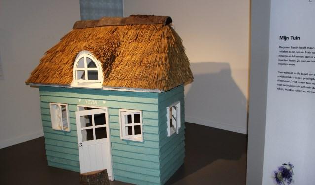 De kindermiddag in het museum start bij het huis van Vera de Muis. Foto Dick Baas