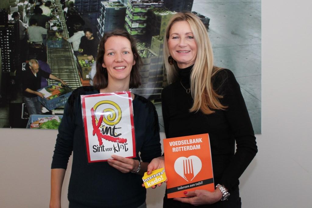 Kadobonnen voor gezinnen van de Voedselbank Rotterdam Foto: Dorothee van der Veer © Persgroep