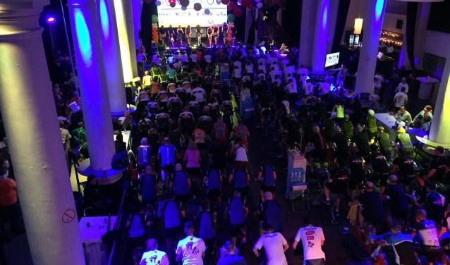 Honderden deelnemers bij CycleSensation in de St. Jan afgelopen zaterdag zagen af voor het goede doel.