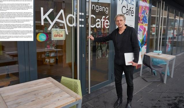 Jelle Koolstra van Amersfoort Kiest presenteert het Valentijnsdebat in het KAdE Café dat georganiseerd wordt in samenwerking met de SGLA. (Foto: Gerard Oonk)