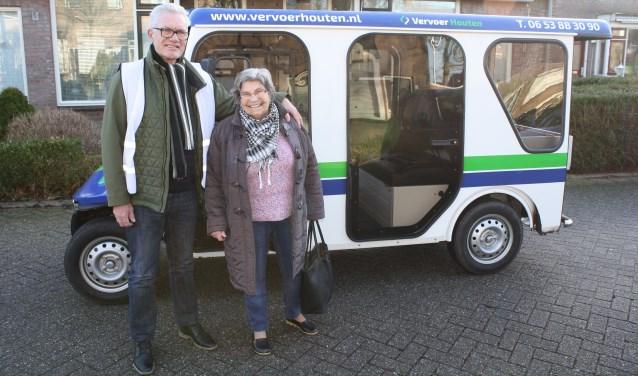 """Chauffeur Jan van Ginkel: """"We rijden van maandag t/m zaterdag. Zowel mensen met een U-pas als WMO-vervoerspas krijgen 50% korting op de ritprijs: € 1,25 in plaats van  € 2,50 per rit."""" Foto: Càrola Rietdijk"""