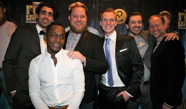 De mannen van The Full Monty na de première in het nieuwe DeLaMar Theater in Amsterdam. Foto: Mieke vd Raaij.