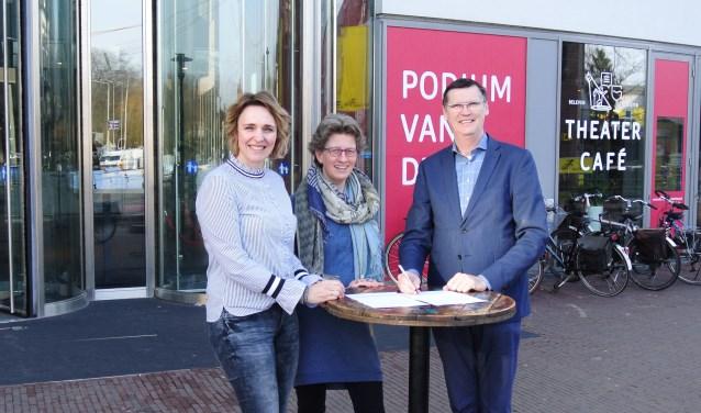 van links naar rechts: Jitty Wiggers, Margreet Smit en Alex Kühne.