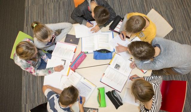 Zelfstandig werken of juist wat extra begeleiding ontvangen: op het Nuborgh College Lambert Franckens proberen leraren het beste in leerlingen naar boven te halen.