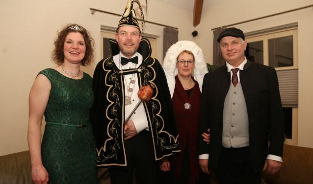 Zowel het prinsenpaar als het boerenbruidspaar telt af naar carnaval. (foto: Marco van den Broek)