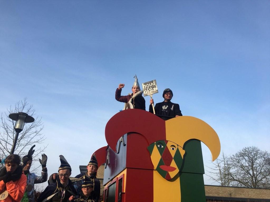 De prinsenwagen waarop Prins Freddie meereed, wordt elk jaar weer beschikbaar gesteld door CV Het Vergulde Vat uit Afferden. (Foto Marian van Dinteren)    © Persgroep