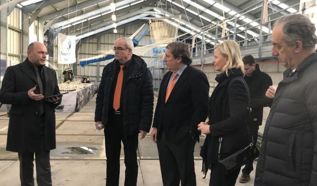 Een delegatie Europarlementsleden van de Visserijcommissie bracht op 1 februari een werkbezoek aan het Visserij-innovatiecentrum Zuidwest Nederland B.V. in Stellendam. FOTO: PR