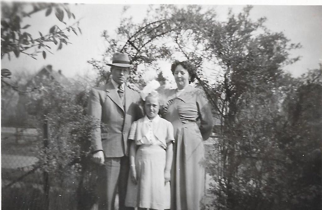 De familie van der Welle uit Zierikzee vonden onderdak van De Kamper aan de Spoorlaan.  © Persgroep