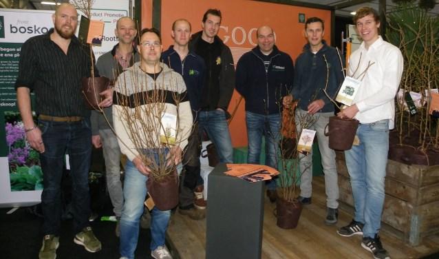 Negen kwekers uit de Greenport Boskoop gaan de 'vergeten heesters' voor Good Roots leveren. Allemaal hebben ze een eigen plant.