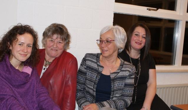 V.l.nr.r.: Jagoda Dobrzanska, Els Zom, Alma Kramer en Mehtap Alpay (foto: Lia van Gool)
