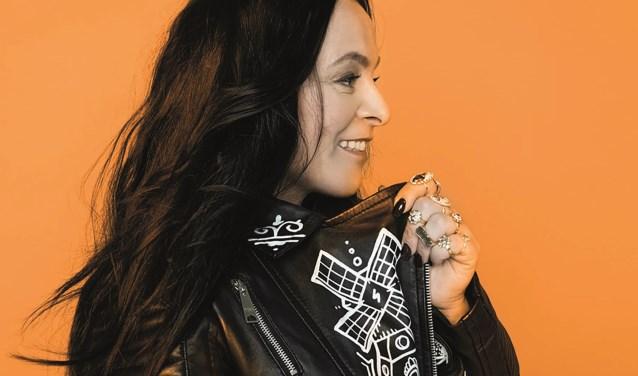 Trijntje Oosterhuis was niet onbekend met Nederlandstalige nummers. Sterker nog, ze zingt ze al decennialang.
