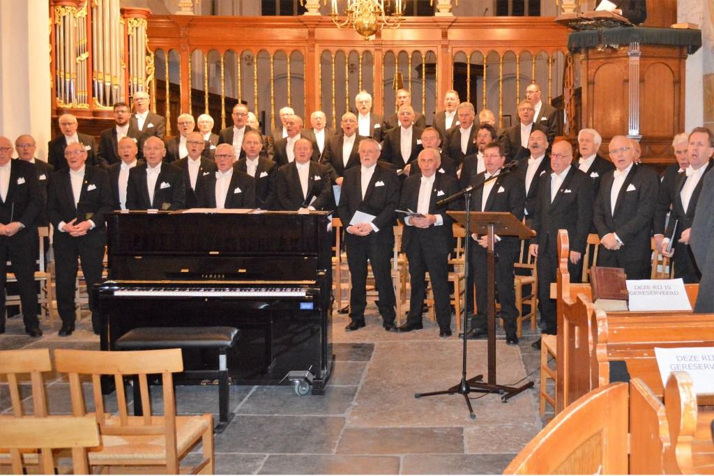 Elburgs Mannenkoor OBK trad op tijdens muzikale jubileumavond SGP Elburg Foto: Martien Bos © Persgroep